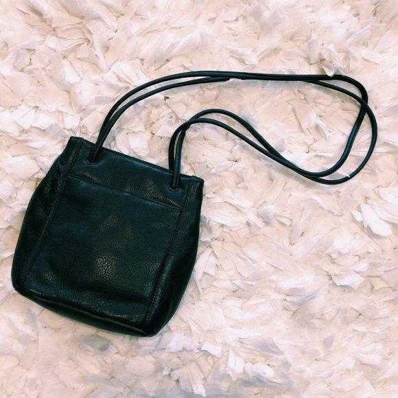 Stone Mountain Accessories Handbags - Vintage Stone Mountain Dark Brown Purse